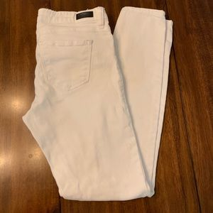 STS WHITE DISTRESSED JEANS
